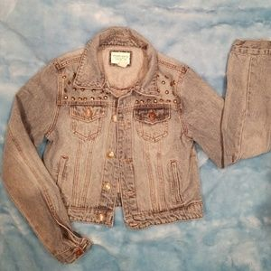 Jean jacket size 2 forever 21
